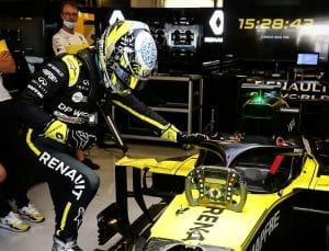 Guanyu Zhou Renault post season test 2020